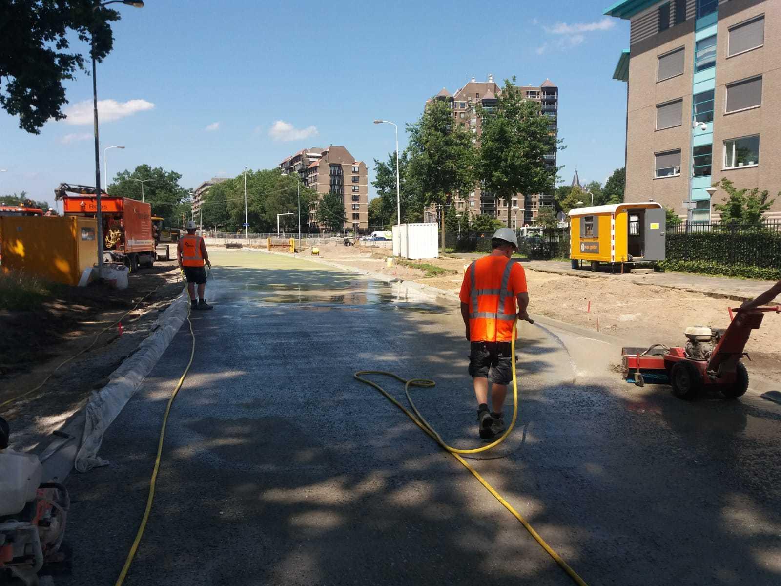 Uitgewassen betonverharding in Eindhoven