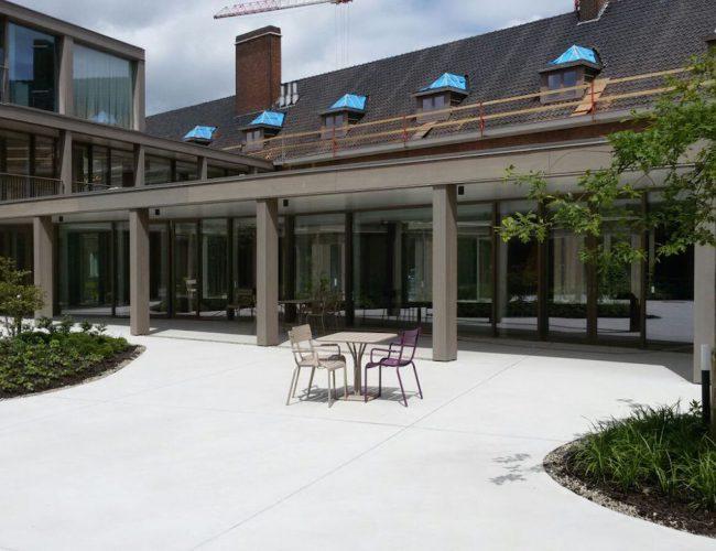 Binnentuin in beton