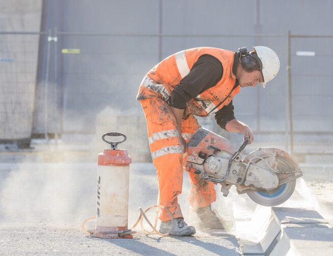 Zagen van betonverharding