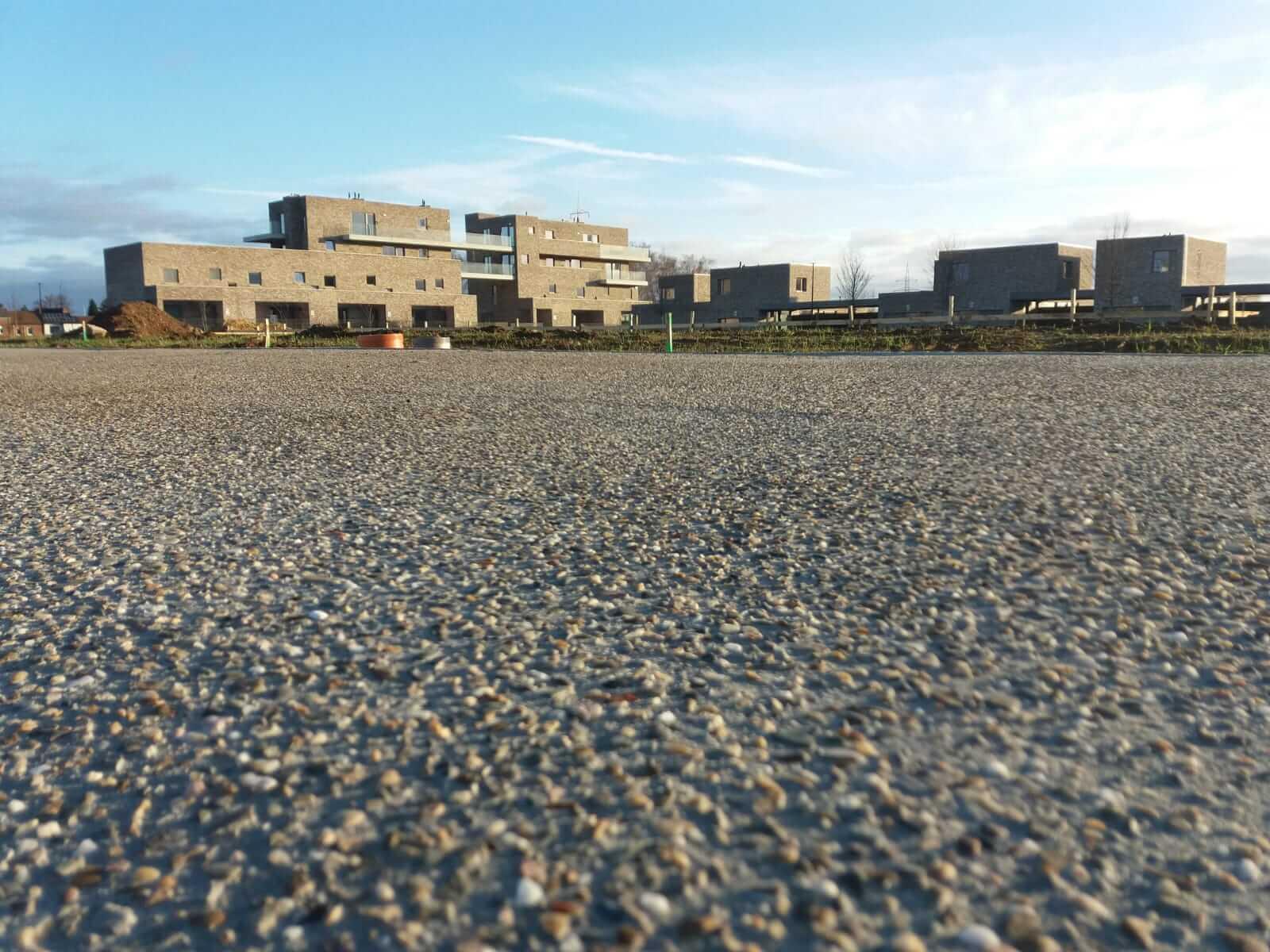 Uitgewassen beton in Brustum